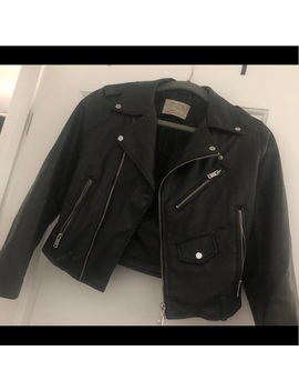 Zara Basics   Faux Leather Cropped Jacket Preowned/Used by Zara