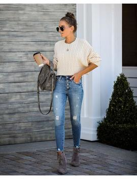 Dionne Cropped Cable Knit Sweater   Cream by Vici