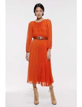 Plissiertes Kleid Mit GÜrtel by Zara