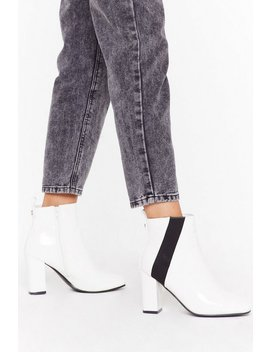 Asymetric Gusset Crinkle Patent Chelsea Boots by Nasty Gal