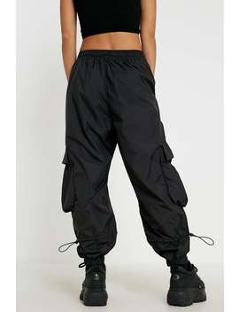Uo – Raver Utility Hose In Schwarz by Urban Outfitters Shoppen