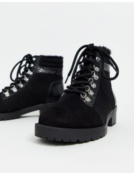 Miss Selfridge Hiker Boots In Black by Miss Selfridge
