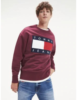 tommy-flag-sweatshirt by tommy-jeans