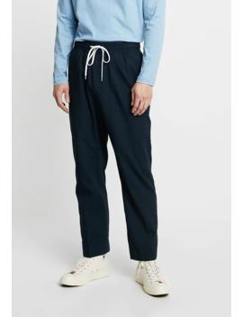 Grim Trousers   Pantalones by Weekday