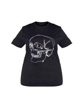 Plus Black Skull Tee Shirt  by Prettylittlething