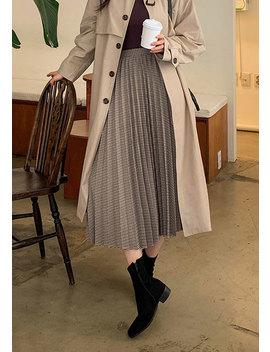 Shepherd Check Pleated Skirt by Chuu