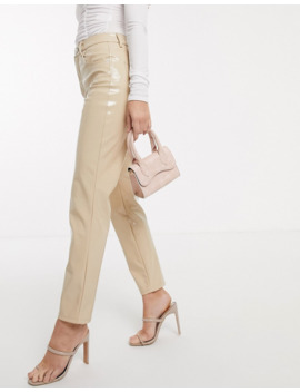 Asos Design   Farleigh   Mom Jeans Slim A Vita Alta In Vinile Color Carne by Asos Design