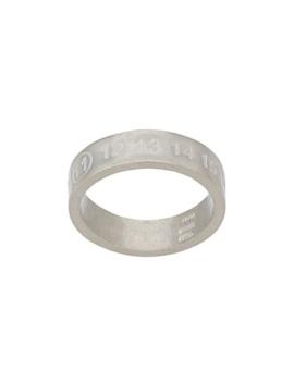 Ring Mit Eingravierten Nummern by Maison Margiela