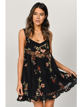 Hannah Black Floral Print Dress by Tobi