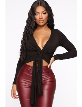 Don't Get Me Twisted Top   Black by Fashion Nova