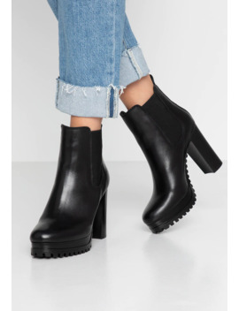 Pin Logo Heeled Chelsea Boot   High Heel Stiefelette by Tommy Jeans