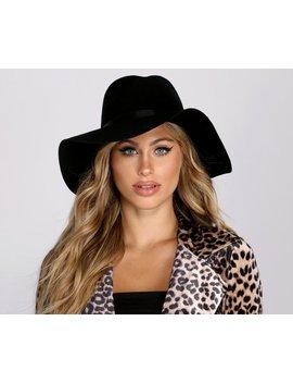 Wavy Brim Wool Hat by Windsor