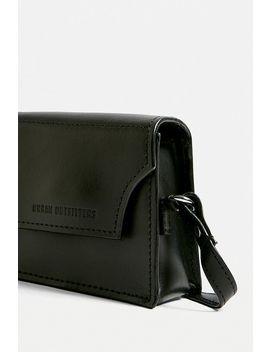 Urban Outfitters– Kleine Umhängetasche Aus Leder Mit Umschlag by Urban Outfitters Shoppen