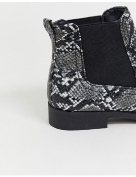 Boohoo Exclusive Flat Chelsea Boot In Snake by Boohoo