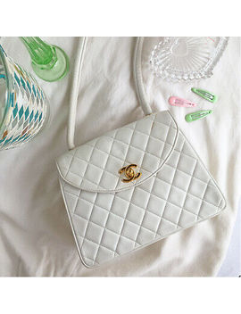 Vintage Chanel Round Flap Turn Lock Shoulder Bag White by Chanel