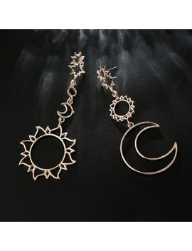 yongge---non-matching-alloy-sun-&-moon-dangle-earrings by yongge