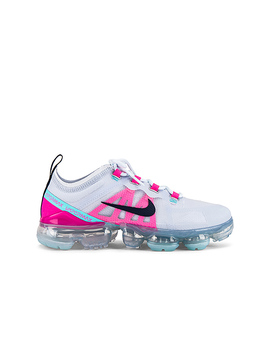 Air Vapormax 2019 Sneaker In Football Grey, Obsidian Pink Blast & Aurora Green by Nike