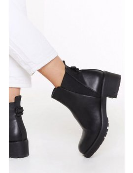 V Gusset Cleated Chelsea Boot by Nasty Gal