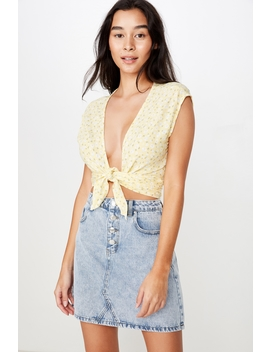 Frankie Tie Top by Cotton On