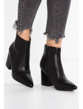 Kola   Boots à Talons   Black by Raid