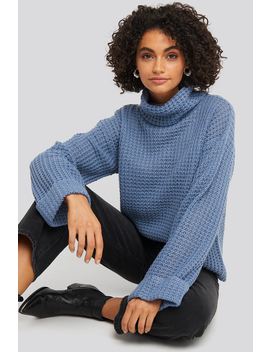 Short Pineapple Knitted Sweater Blue by Na Kd