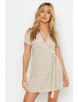 Petite Ditsy Floral Print Woven Wrap Dress by Boohoo