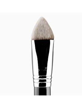4 Dhd™ Kabuki Brush by Sigma Beauty
