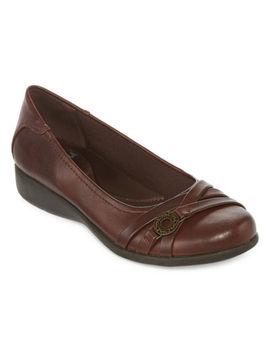 Yuu Womens Germaine Slip On Shoe Round Toe by Yuu