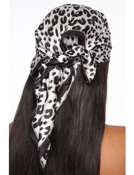 All I Ever Wanted Head Scarf   Black/White by Fashion Nova
