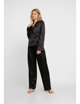 Eden Knot Front Set   Pyjama by Wolf & Whistle