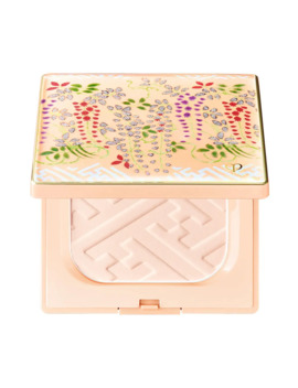 Limited Edition Refining Pressed Powder by Cle De Peau Beaute