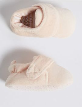 Baby Padded Riptape Shoes (0 18 Months) by Marks & Spencer