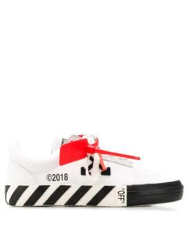 Randiga Sneakers Med Snörning by Off White