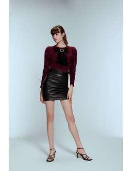 Pullover In Felloptik Mit Schleife by Zara