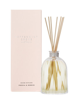 Peppermint Grove Diffuser, 350ml, Freesia & Berries by Farmers