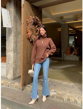 Hello Bootcut Frayed Hem Jeans by Chuu