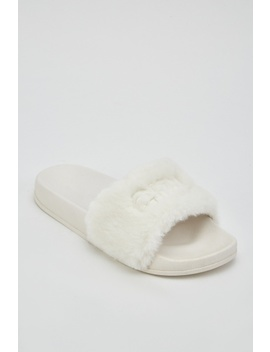 Faux Fur Sliders by Everything5 Pounds
