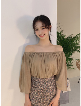 Pure Goddess Off Shoulder Blouse by Chuu