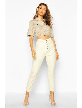Jean Mom Taille Haute Boutonné Devant by Boohoo
