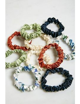 Sweet Dreams Scrunchie Set by Urban Outfitters