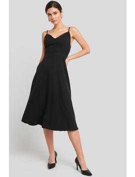 Thin Strap Satin Detailed Midi Dress Schwarz by Trendyol