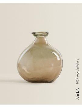 Fles Van 100% Gerecycled Glas In Organische Vorm  Vazen   Decoratie En Accessoires   Shop Op Product by Zara Home