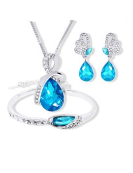 2018 New Wholesale Austrian Crystal Jewelry Sets Water Drop Pendant Necklace Stud Earring Bracelet Silver Plated Jewellery Women by Ali Express.Com