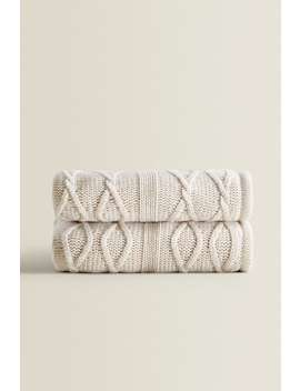 Knit And Fleece Blanket by Zara