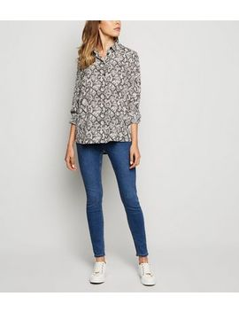 Blue Mid Wash 'lift & Shape' Jeggings by New Look