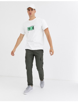 New Look – Biały T Shirt Z Nadrukiem Anime by New Look