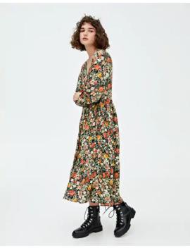 Długa Sukienka W Kwiaty by Pull & Bear