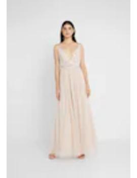 Festklänning   Figursydd /Insvängd by Needle & Thread