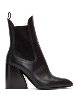 Black Wave Chelsea Boots by ChloÉ