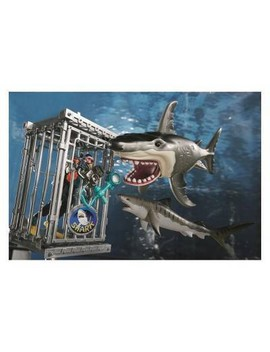 Animal Planet Extreme Shark Adventure Playset by Animal Planet